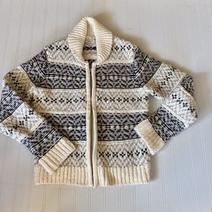 GAP FRONT ZIP PATTERN SWEATER
